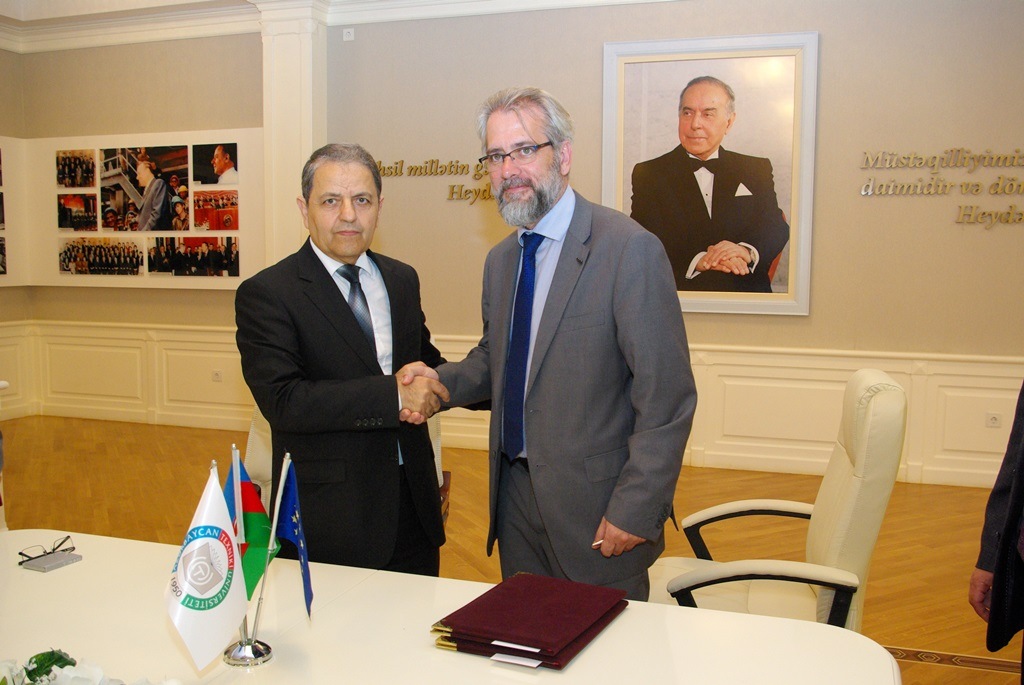 Signing ceremony of the double-diploma and Erasmus+ students mobility agreement between Azerbaijan Technical University and University of Girona - 11/05/2017